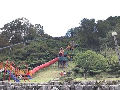高取山公園下から見上げる