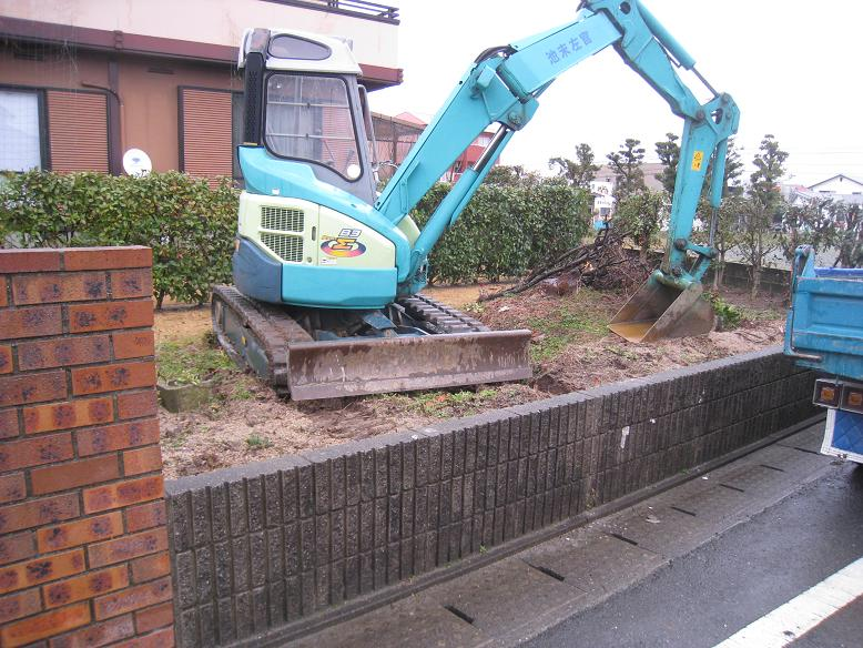既存のブロック解体工事