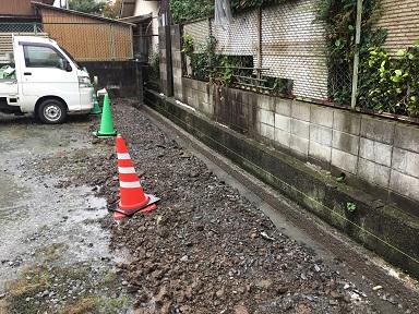 ブロック積みの掘削