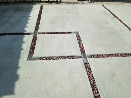コンクリートの目地部分