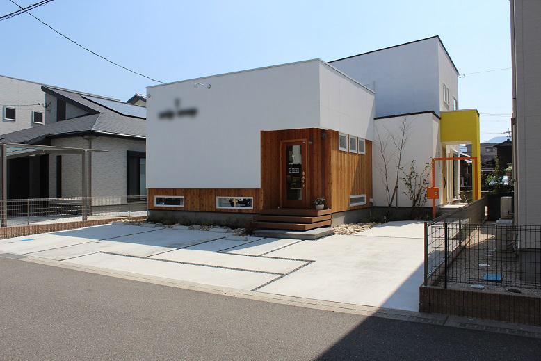 美容室とご自宅を兼ねた建物